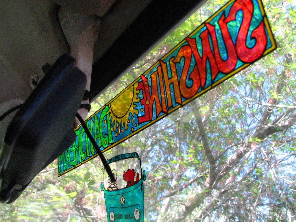 blue bus sunshine daydream